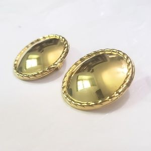 Vintage Gold Clip On Round Earrings